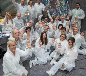Zufrieden und glücklich grüßen die Beteiligten, die im Mai 2018 an der Malaktion teilnahmen.